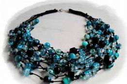 Modna biżuteria sztuczna – naszyjniki, pierścionki